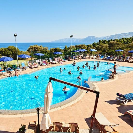 Piscina Resort Cala Gonone